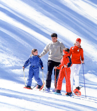 FAMILLE BALLADE RAQUETTES - VALBERG - 06 ALPES MARITIMES FRANCE