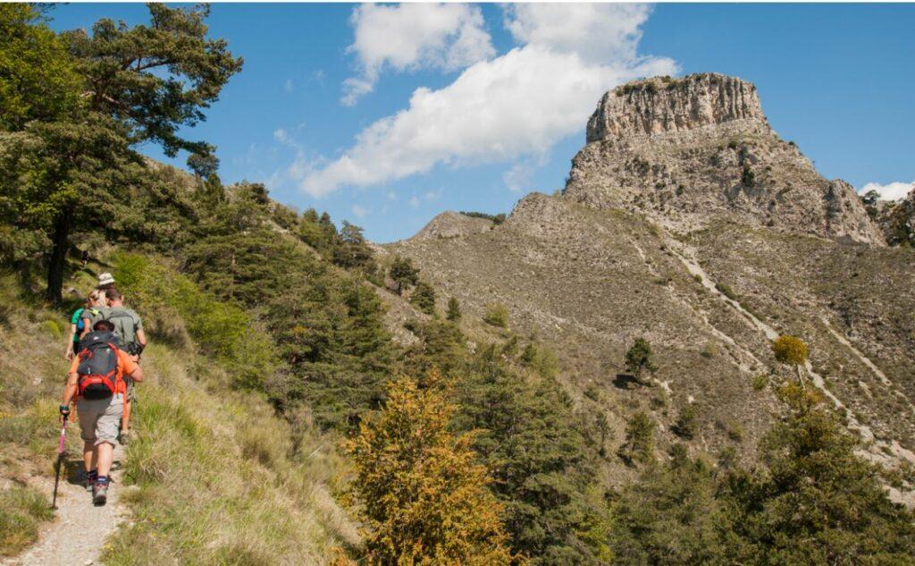 Le sommet du Castel Ginesté au dessous du Brec d'Utelle rando06