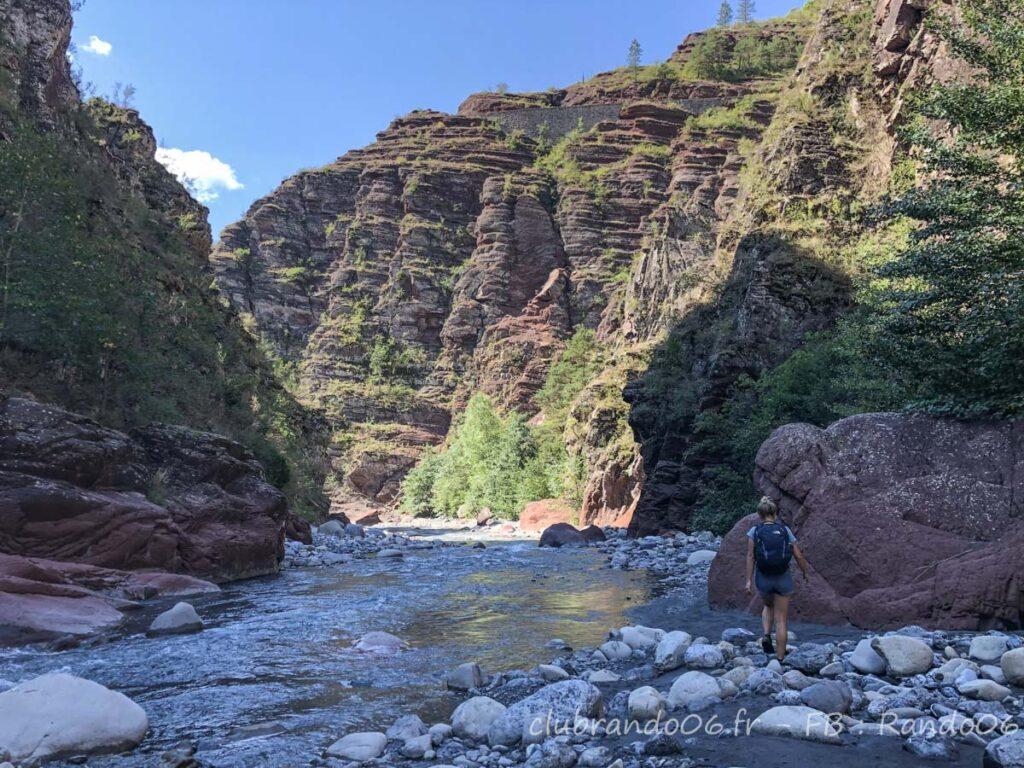 Randonnée aquatique dans les gorges du Daluis avec Rando06 - Photo : Hugo Padilla